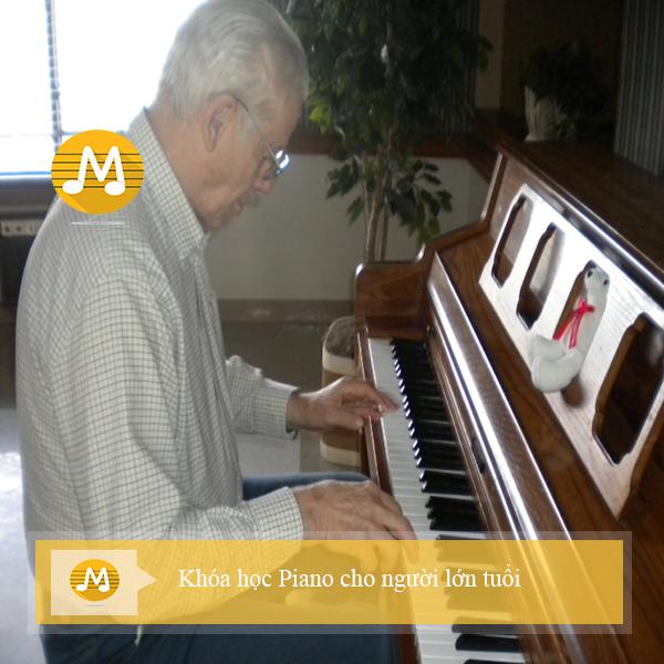Khóa học Piano cho người lớn tuổi